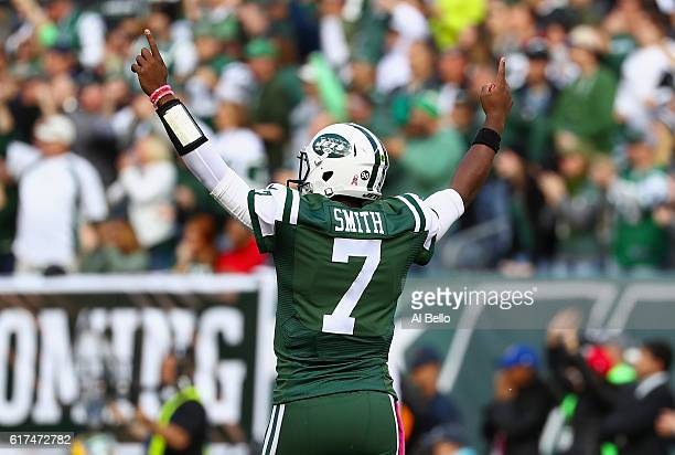 Quarterback Geno Smith of the New York Jets celebrates against the Baltimore Ravens at MetLife Stadium on October 23 2016 in East Rutherford New...