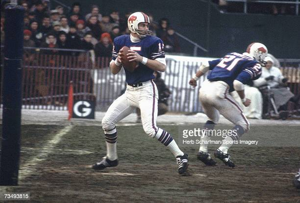Quarterback Jack Kemp of the Buffalo Bills goes back to pass against the Kansas City Chiefs during the AFC Championship Game on January 1 1967 in...