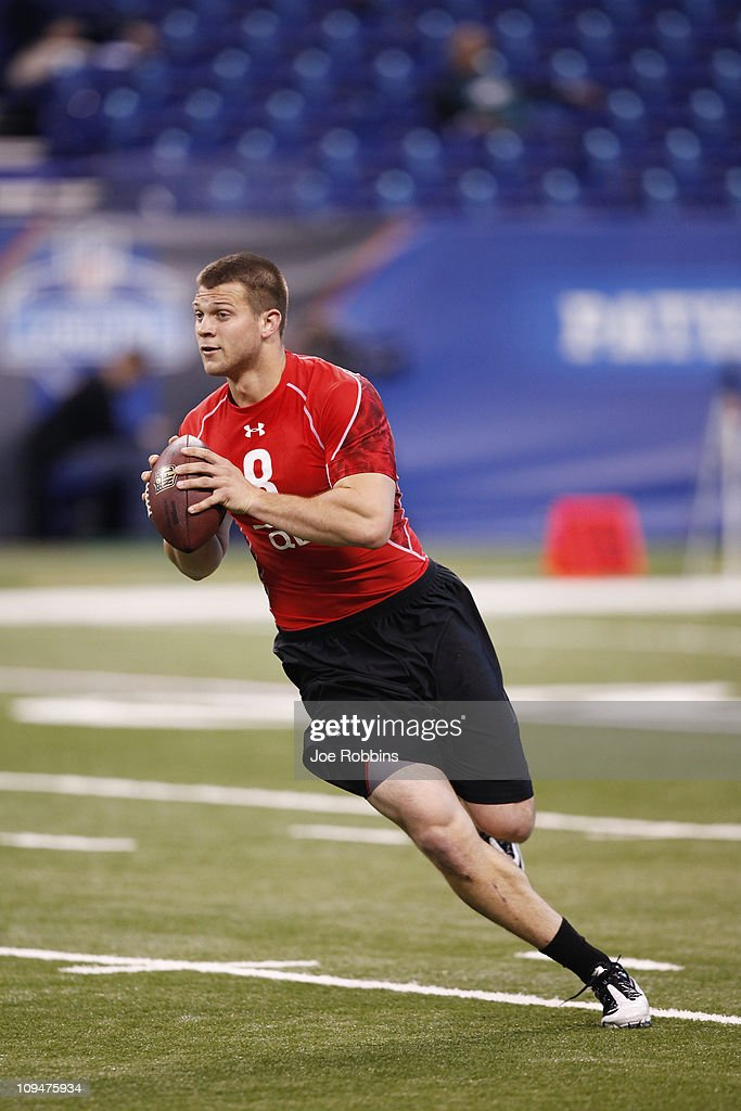 Quarterback Jake Locker of Washington runs a passing drill during the 2011 NFL Scouting Combine at Lucas Oil Stadium on February 27, 2011 in Indianapolis, Indiana.