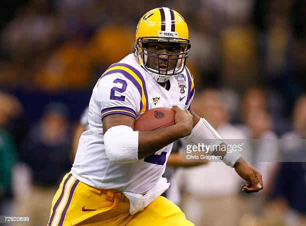 Quarterback JaMarcus Russell of the LSU Tigers runs with the ball in the first half of the 2007 Allstate Sugar Bowl against the Notre Dame Fighting...