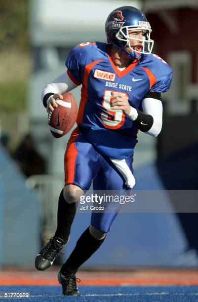Quarterback Jared Zabransky of Boise State looks down field for an open receiver during the first quarter against Louisiana Tech at Bronco Stadium on...