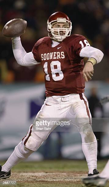 Quarterback Jason White of the Oklahoma Sooners throws the ball during the game against the Kansas State Wildcats in the Dr. Pepper Big 12...
