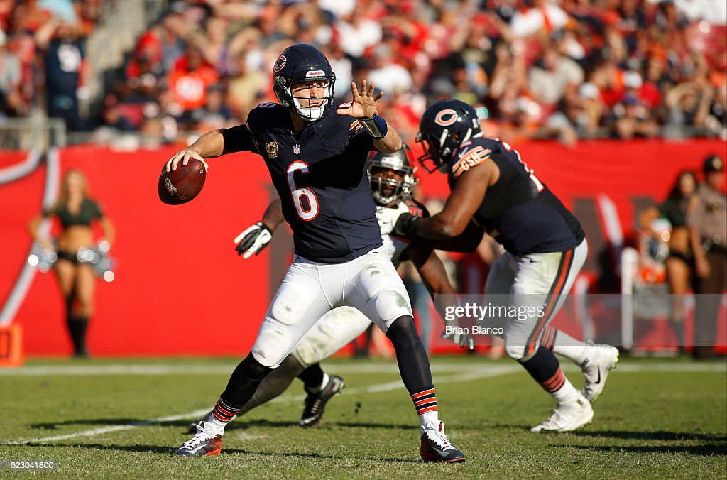 Quarterback Jay Cutler #6 of the Chicago Bears looks for an open receiver during the third quarter of an NFL game against the Tampa Bay Buccaneers on November 13, 2016 at Raymond James Stadium in Tampa, Florida.