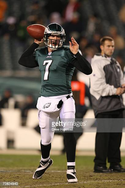 Quarterback Jeff Garcia of the Philadelphia Eagles warms up before the game against the Carolina Panthers on December 4 2006 at Lincoln Financial...