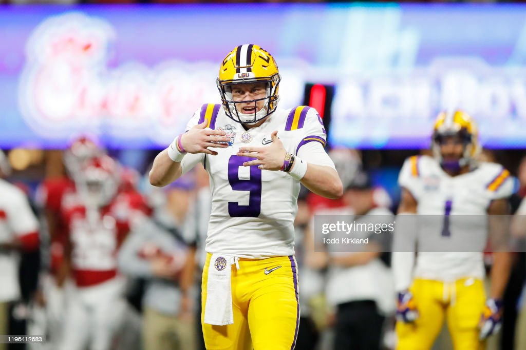 College Football Playoff Semifinal at the Chick-fil-A Peach Bowl - LSU v Oklahoma : ニュース写真