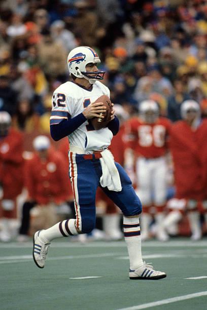 quarterback-joe-ferguson-of-the-buffalo-
