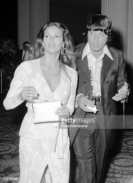 NFL quarterback Joe Namath of the New York Jets and actress Raquel Welch at the 44th Academy Awards on April 10 1972 at the Dorothy Chandler Pavilion...