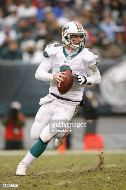 Quarterback John Beck of the Miami Dolphins drops back to pass during a game against the Philadelphia Eagles on November 18 2007 at Lincoln Financial...