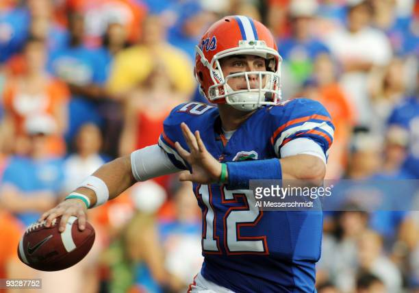 Quarterback John Brantley of the Florida Gators sets to pass against the Florida International University Golden Panthers November 21 2009 at Ben...
