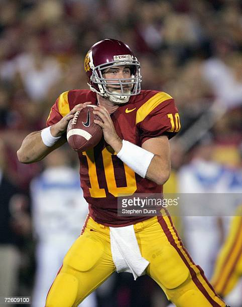 Quarterback John David Booty of the USC Trojans looks to pass during the game against the Oregon Ducks on November 11, 2006 at the Los Angeles...