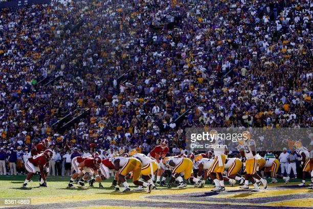 Quarterback John Parker Wilson of the Alabama Crimson Tide calls a play against the Louisiana State University Tigers on November 11 2008 at Tiger...
