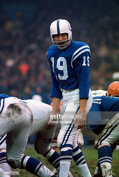 Quarterback Johnny Unitas of the Baltimore Colts calls out signals against the Cleveland Browns during an NFL football game December 26 1971 at...