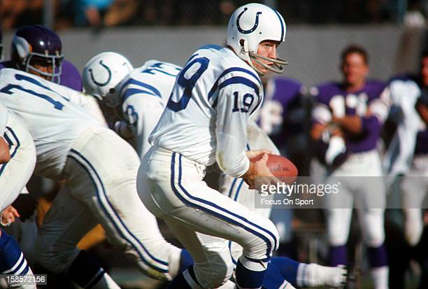 Quarterback Johnny Unitas of the Baltimore Colts turns to hand the ball off against the Minnesota Viking during an NFL football game October 22 1967...