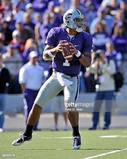Quarterback Josh Freeman of the Kansas State Wildcats drops back to pass in the second half against the Oklahoma Sooners on October 25 2008 at Bill...