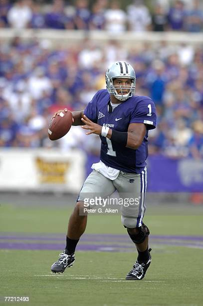 Quarterback Josh Freeman of the Kansas State Wildcats looks down field against the Kansas Jayhawks, during a NCAA football game October 6, 2007 at...