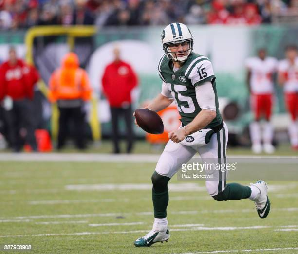 Quarterback Josh McCown of the New York Jets scrambles in an NFL football game against the Kansas City Chiefs on December 3 2017 at MetLife Stadium...