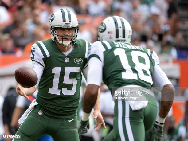 Quarterback Josh McCown of the New York Jets tosses the ball to wide receiver ArDarius Stewart in the fourth quarter of a game on October 8 2017...