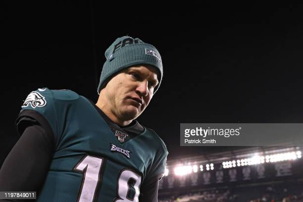 Quarterback Josh McCown of the Philadelphia Eagles walks off of the field after losing to the in their NFC Wild Card Playoff game at Lincoln...