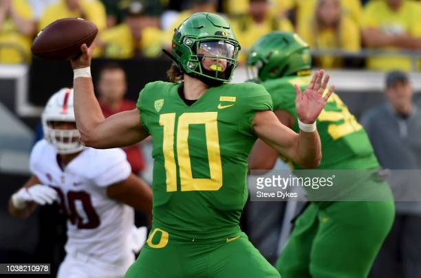 Quarterback Justin Herbert of the Oregon Ducks passes the ball during the third quarter of the game against the Stanford Cardinal at Autzen Stadium...