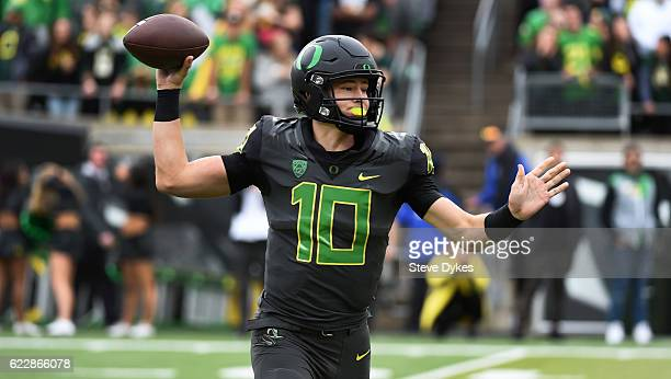 Quarterback Justin Herbert of the Oregon Ducks passes the ball during the second quarter of the game against the Stanford Cardinal at Autzen Stadium...