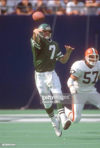 Quarterback Ken O'Brien of the New York Jets throws a pass against the Cleveland Browns during an NFL football game September 16 1990 at Giants...