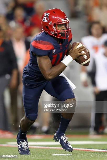 Quarterback Khalil Tate of the Arizona Wildcats drops back to pass during the first half of the college football game against the Oregon State...