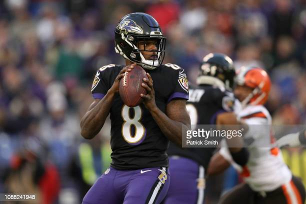 Quarterback Lamar Jackson of the Baltimore Ravens looks to throw the ball in the first quarter against the Cleveland Browns at MT Bank Stadium on...