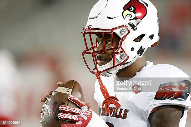 Quarterback Lamar Jackson of the Louisville Cardinals warms up before playing against the Houston Cougars at TDECU Stadium on November 17 2016 in...