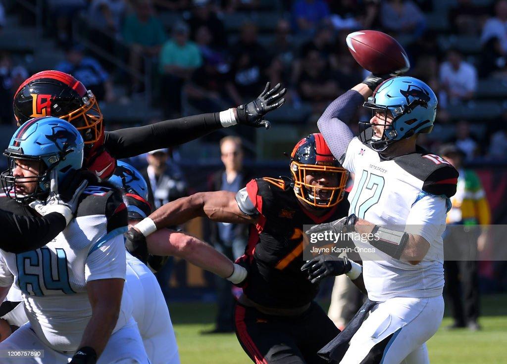 Dallas Renegades v Los Angeles Wildcats : News Photo