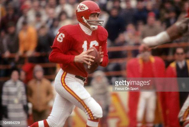 Quarterback Len Dawson of the Kansas City Chiefs drops back to pass against the New York Jets during an NFL football game circa 1968 at Municipal...