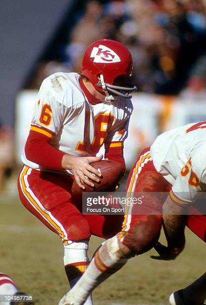 Quarterback Len Dawson of the Kansas City Chiefs drops back to pass against the Atlanta Falcons during an NFL football game December 17 1972 at...