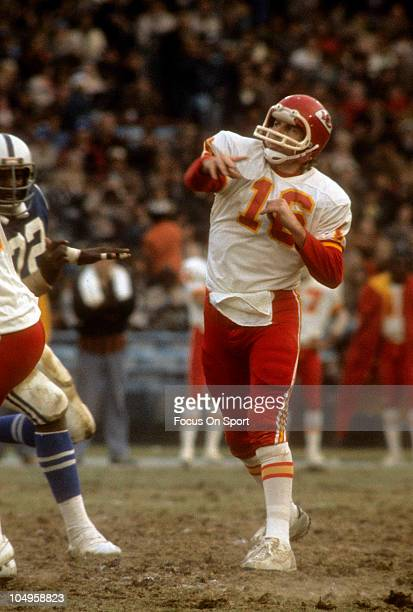 Quarterback Len Dawson of the Kansas City Chiefs throws a pass against the Baltimore Colts during an NFL football game November 30 1975 at Memorial...