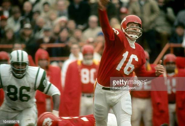 Quarterback Len Dawson of the Kansas City Chiefs throws a pass against the New York Jets during an NFL football game circa 1968 at Municipal Stadium...