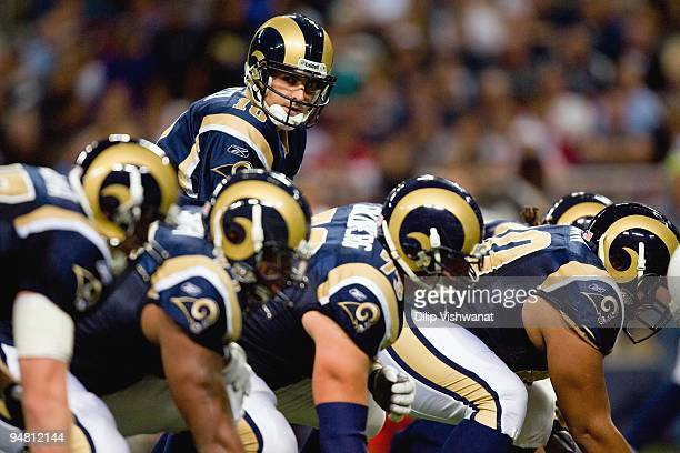 Quarterback Marc Bulger of the St Louis Rams calls the play at the line against the Arizona Cardinals at the Edward Jones Dome on November 22 2009 in...