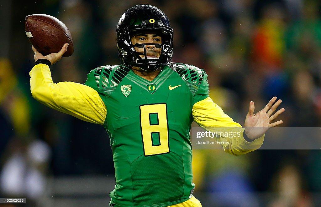 Oregon State v Oregon : News Photo