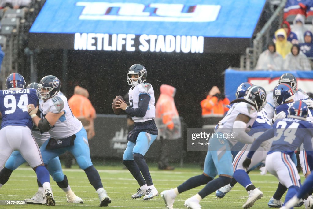 Tennessee Titans v New York Giants : News Photo