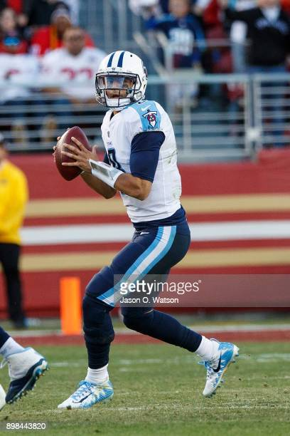Quarterback Marcus Mariota of the Tennessee Titans stands in the pocket against the San Francisco 49ers during the fourth quarter at Levi's Stadium...