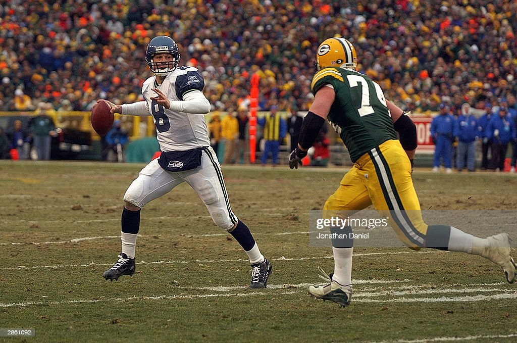 Seahawks v Packers : News Photo