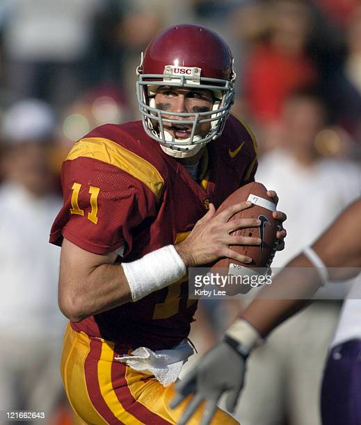 Quarterback Matt Leinart drops back to pass during 38-0 victory over Washington in Pacific-10 Conference football game at the Los Angeles Memorial...