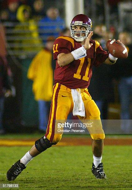 Quarterback Matt Leinart of the USC Trojans sets to throw a touchdown pass against the Notre Dame Fighting Irish on November 27, 2004 at the Los...