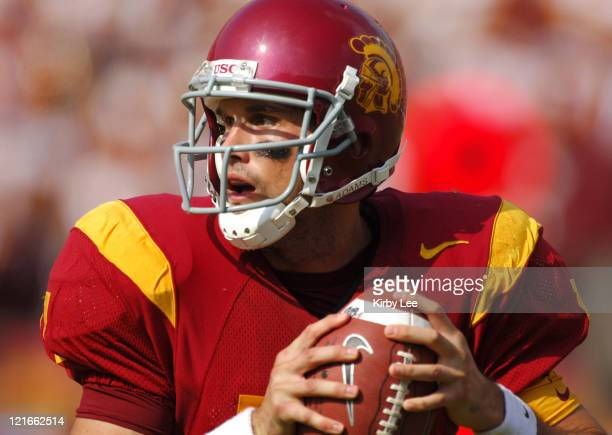 USC quarterback Matt Lerinart drops back to pass during 4221 victory over Arizona in Pacific10 Conference football game at the Los Angeles Memorial...