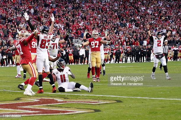 Quarterback Matt Ryan of the Atlanta Falcons and team celebrate the fourth quarter touchdown over the San Francisco 49ers at Levi's Stadium on...