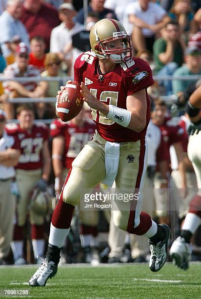Quarterback Matt Ryan of the Boston College Eagles prepares to throw against the Army Black Knights at Alumni Stadium September 22 2007 in Chestnut...