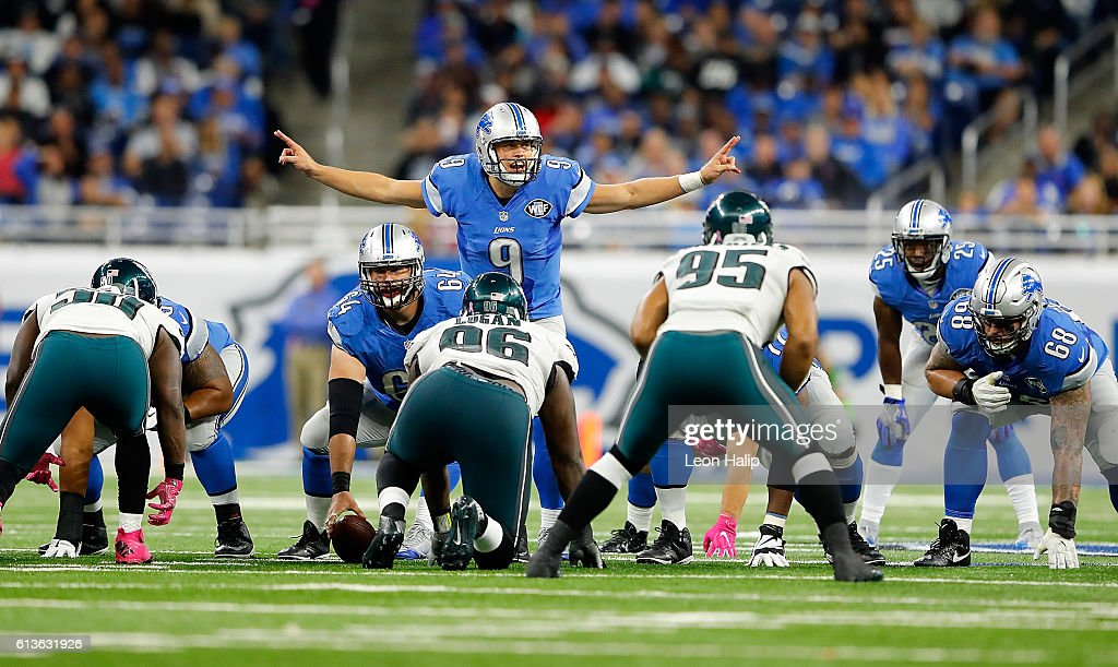Quarterback Matthew Stafford #9 directs his team against the Philadelphia Eagles at Ford Field on October 9, 2016 in Detroit, Michigan.