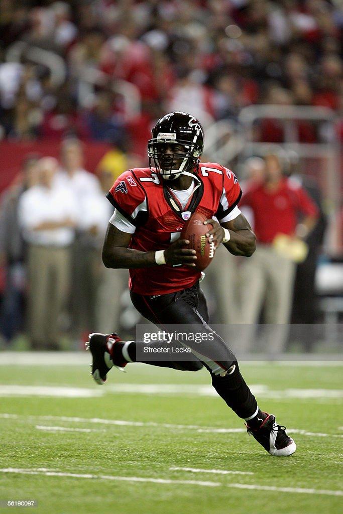 quarterback-michael-vick-of-the-atlanta-