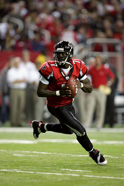 quarterback-michael-vick-of-the-atlanta-