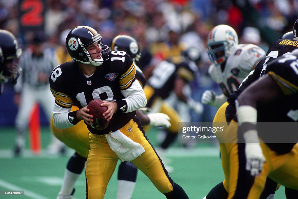 Pittsburgh Steelers Mike Tomczak : News Photo