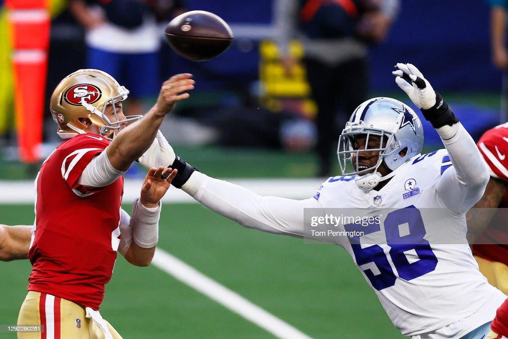 San Francisco 49ers v Dallas Cowboys : News Photo
