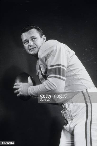 Quarterback Norm Van Brocklin of the Los Angeles Rams poses for a photograph on July 28 1955 in Los Angeles California