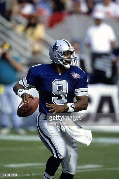 Quarterback Rodney Peete of the Dallas Cowboys throws a pass during a game on October 23 1994 against the Arizona Cardinals at Sun Devil Stadium in...